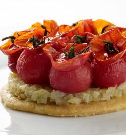 Pate friable Parmesan envolee de tomates Confites - le Clos de Sens