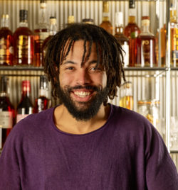 Sullivan barman à la Commune - Whisky Magazine