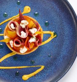 Tartelette de courge butternut, chèvre frais et magret de canard - L'Huitrier Pie
